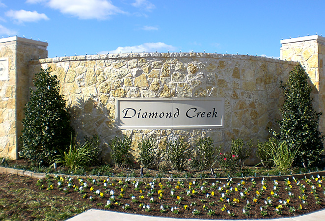 Diamond Creek: Community Screening Wall - Dallas, TX